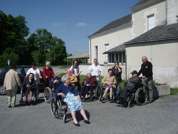 Belle équipe constituée de résidents, familles et bénévoles