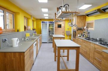 Küche in Vollholz, Holzhaus Urlaub Vogesen Alsace, Elsass, Zimmer, Selbstversorger, Ferienzimmer, Gästezimmer, wlanfrei, funkfrei, wififree