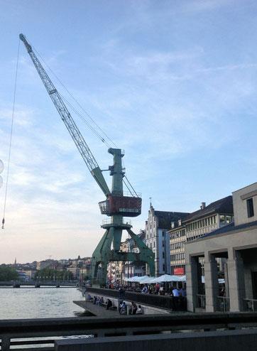 Der Hafenkran ist in Zürich angekommen!