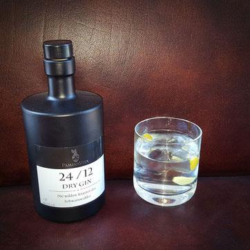 24/12 Dry Gin aus dem Schwarzwald Kinzig-Brennerei
