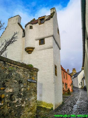 Dorf aus der Outlander Reihe (zu sehen auf Netflix)