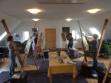 Feb. 2018, der erste Kurs im neuen Kreativraum. Viiiiel Platz für entspanntes Malen.