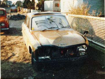 Peugeot 304 S 1974 - ein 123er Mercedes parkte mitten auf der Straße...
