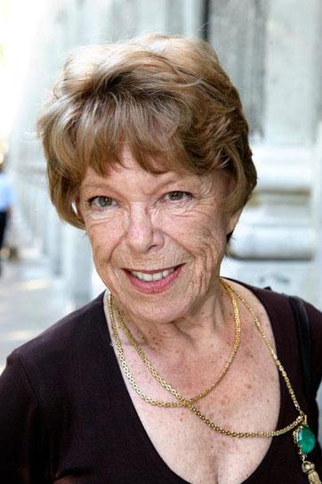 Cécile Aubry âgée
