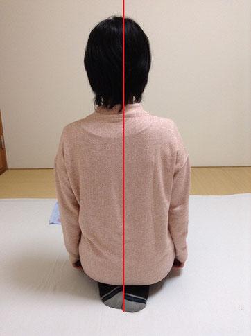 しんそう福井武生では、手足のバランスから身体の歪みを調整し、腰痛、肩こり、不妊、座骨神経痛なども改善します。