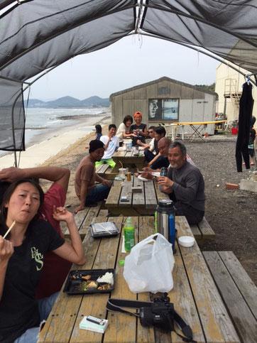 海上がりは青空ランチ♪ みんなで食べると美味しいね~~
