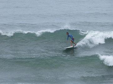 昨日と一変して、まとまっていい波でした~♪ KMHRさん