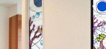 ご主人が描かれたラフ画がステンドグラスのイメージ