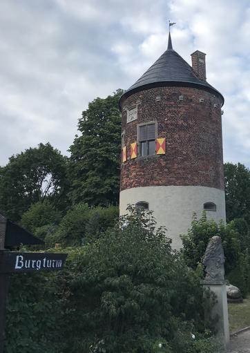 Burgturm zu Davensberg von 1250