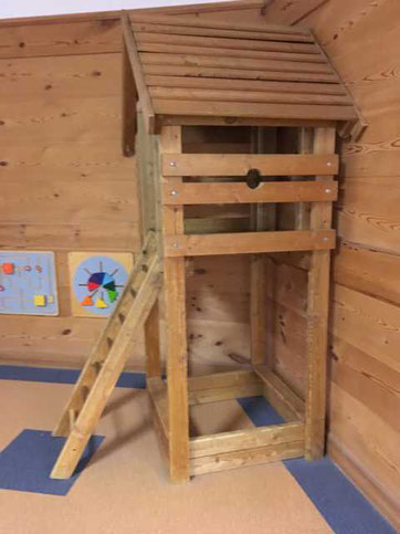 Spielturm im Kinderrestaurant