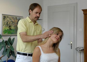Untersuchung der Halswirbelsäule