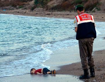 Aylan Kurdi, Sinnbild für die Flüchtlingstragödie. Bild: Keystone