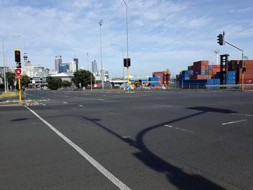 - En longeant le port d'Auckland - Nouvelle-Zélande -
