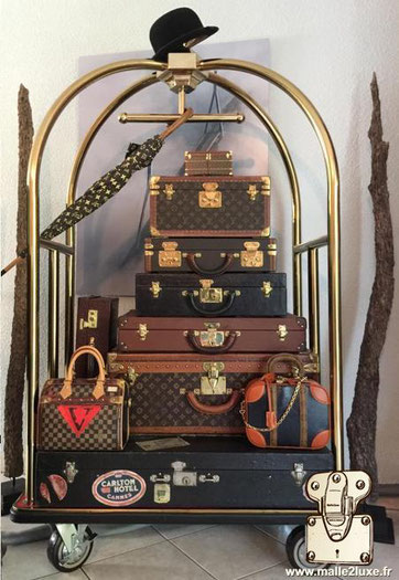 8 / TRUNK PYRAMID decoration hotel Louis Vuitton Goyard moynat