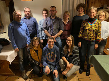 Der neue Vorstand der NABU-Gruppe Gebhardshainer Land und Wissen um die Vorsitzenden Petra Gilberg (3. v. r.) und Monika Orthey (2. v. r.)