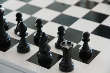 Schachbrett schwarz-weiß