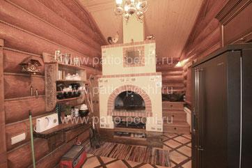 фото барбекю комплекса русская печь с лежанкой, с люком для копчения сала, ниши для ухватов, печурки, резные полочки, выдвижной ящик для аксессуаров.Мангал-барбекю, каминная вставка, коптильня, вертел