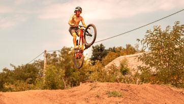 Dirt Bike - Bild von Wladynosz auf Pixabay