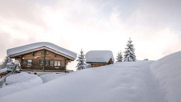 Chalet im Winter - Foto Pixapay