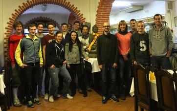 Unsere Trainingsgruppe beim gemeinsamen Abendessen beim Inder in Monte Gordo