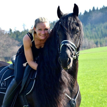 Sandra Plasser und Pferd
