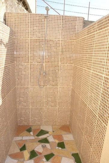Dusche am Pool
