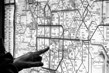 Bruxelles, street photography, métro, subway, noir et blanc, black and white, belgique, art, travel