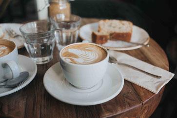 ... gegen den erfreulichen Anblick in modernen Kaffeebars!