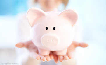 Zahnersatz- und Implantatbehandlungen sind teuer und zeitaufwendig. Mit einer Wurzelbehandlung sparen Sie doppelt!