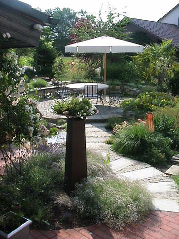 Gartensitzplatz im Feng-Shui Garten,  Gartengestaltung Regensburg-München
