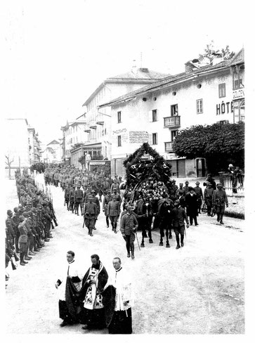 """""""I funerali  a Cortina d'Ampezzo"""" (foto inedita g.c.)"""