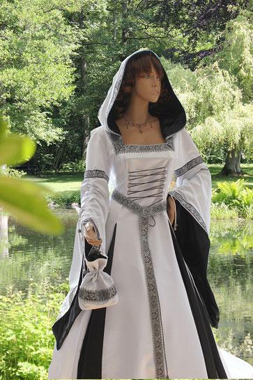 Mittelalter Brautgewand ASTRYD - Mittelalter-Fashion & Mittelalter-Design