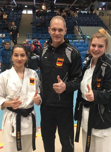 Viktoria und Michaela mit Bundestrainer Thomas Schulze