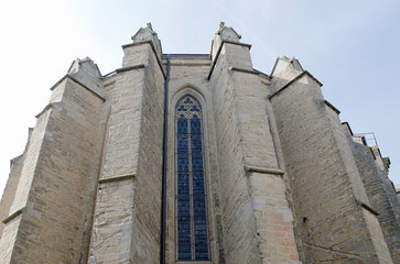 Les contreforts extérieurs de la collégiale Saint Michel de Castelnaudary sont au nombre de sept au midi et sept au nord - crédit photo : Couleur Média