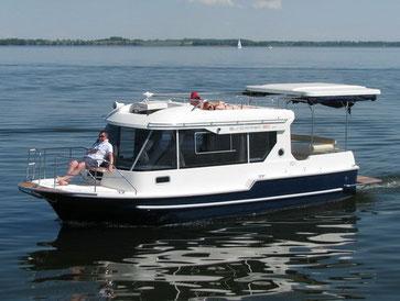 Hausboot SUNCAMER 30| 4+2 Kojen, 1 Schlafkabinen| ohne Führerschein