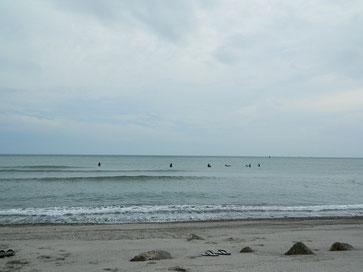 今日も小波で定例会~!フライングチームは早い人は6:30から入水!
