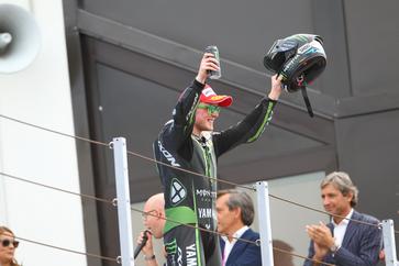 Das beste Ergbebnis seiner MotoGP Karriere: Bradley Smith feiert seinen zweiten Platz in Misano
