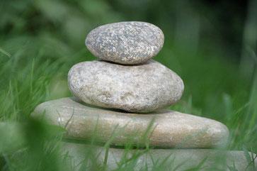 Steine, sinnbildlich für Ruhe und Gelassenheit, Stabilität, Ausgeglichenheit