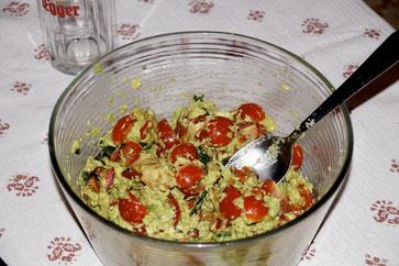 Bester Belag/Fülle aus Avocado und Tomaten