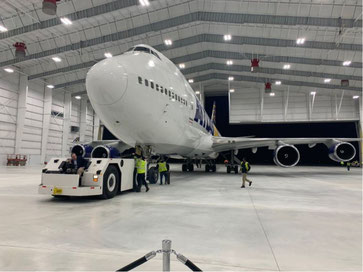 Atlas Air B747-400 is the first aircraft to pull into the new hangar. Image: @LaurenMinorWXIX on Twitter
