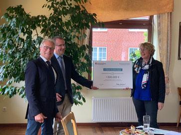 v.l.: Prof. Heinrich Reincke, Robert Nicolai, Landwirtschaftsministerin Bärbel Otte-Kinast