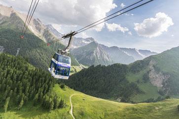 Die Doppelstockbahn unterwegs auf den Alp Trider Sattel
