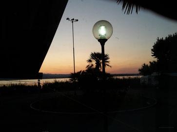 Morgendämmerung um kurz vor sechs Uhr vom Womo aus