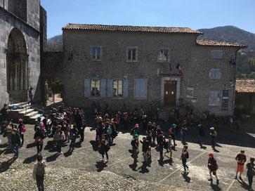 Mairie de Saint Bertrand de Comminges, place du Parvis, tout près de la cathédrale Saint-Marie.