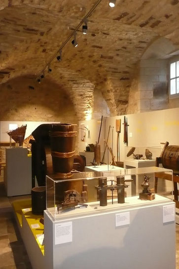 Les Ardéchois doivent beaucoup à la châtaigne toutes cette histoire est raconté au musée de Joyeuse.