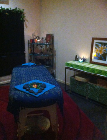 lomilomi Hawaiian massage, hot stones and sound healing space.