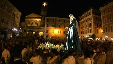 La Madonna Fiumarola in processione