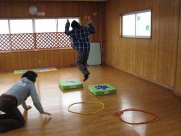 障害児のリズミカルな跳躍運動 療育活動 指導案