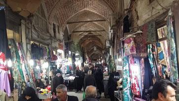 Geschäftiges Treiben auf dem großen Bazaar von Täbris