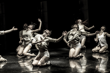 Horses in the Sky - Kibbutz Contemporary Dance Company (Foto: Eyal Hirsch)